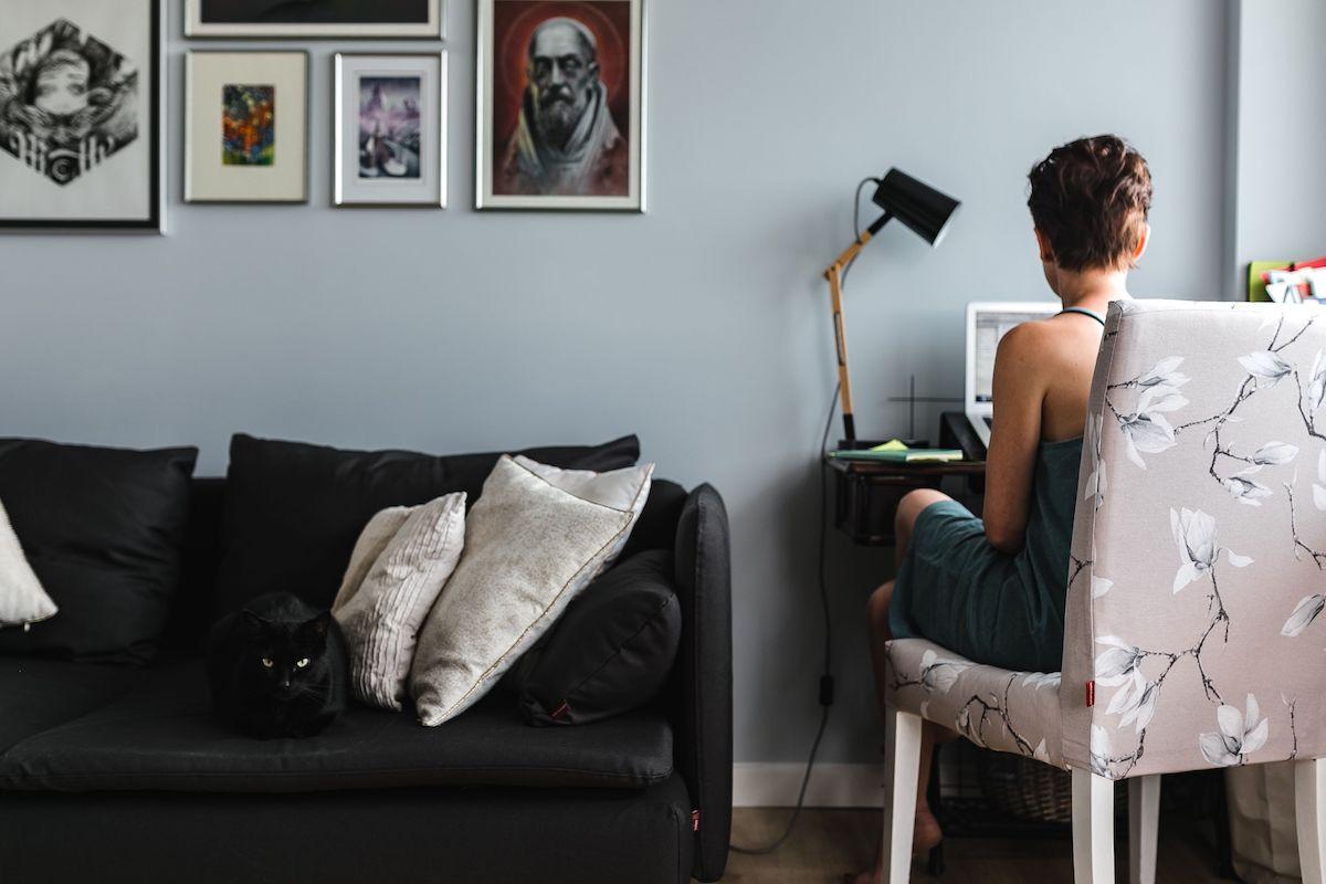 Geek Cat - Praca w domu - plusy i minusy