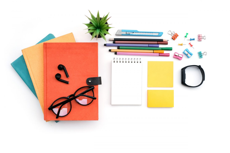 Geek Cat - paperless moja historia przybory papiernicze na stole